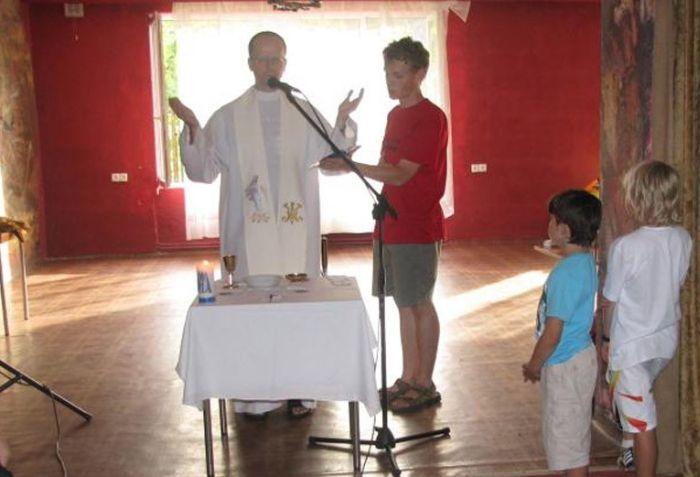 Bizarre Initiation Ceremony at Polish School  (30 pics)