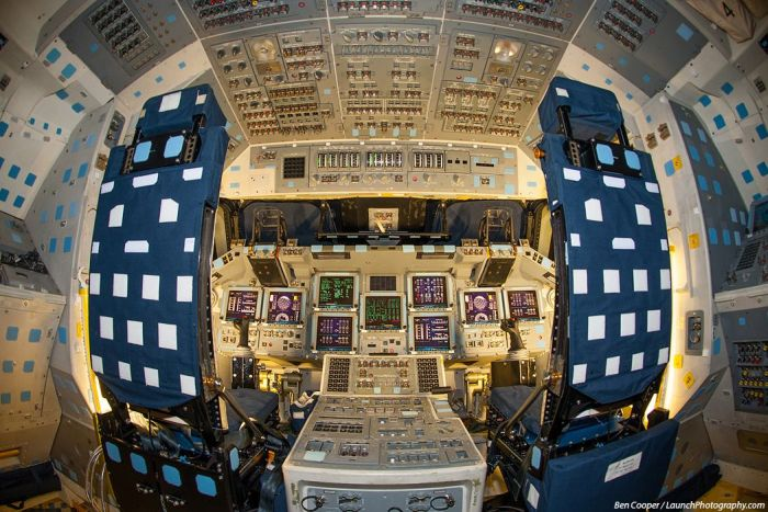 Inside the Shuttles (35 pics)