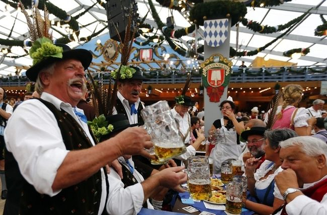 Welcome to Oktoberfest 2012 (25 pics)