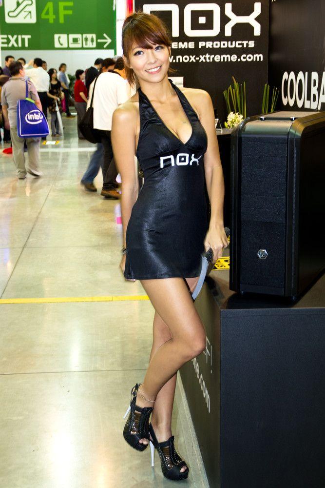 Hot Models in Taipei (93 pics)