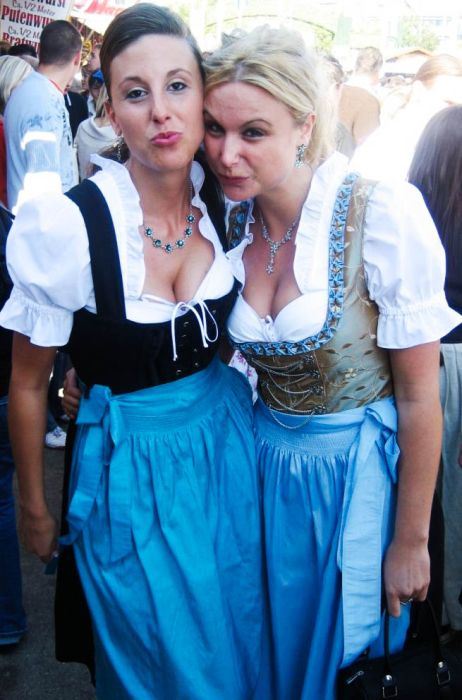 Cleavages of Oktoberfest Girls (66 pics)