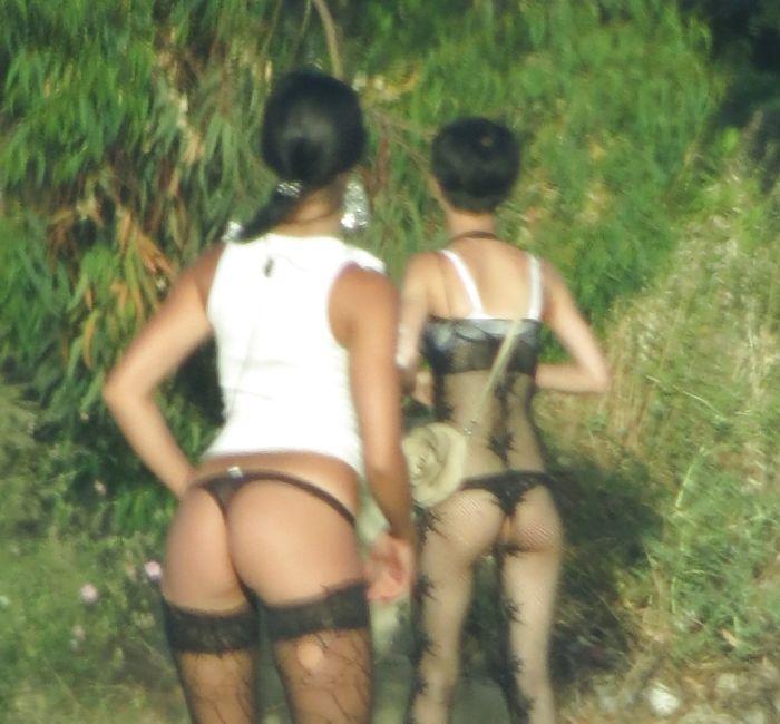 Italian Hookers (29 pics)