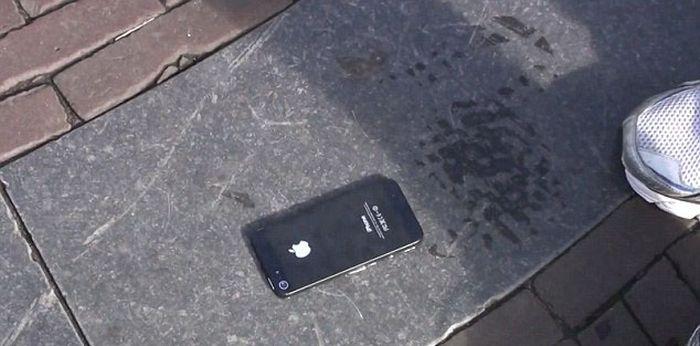 Nice iPhone 5 Prank (16 pics)