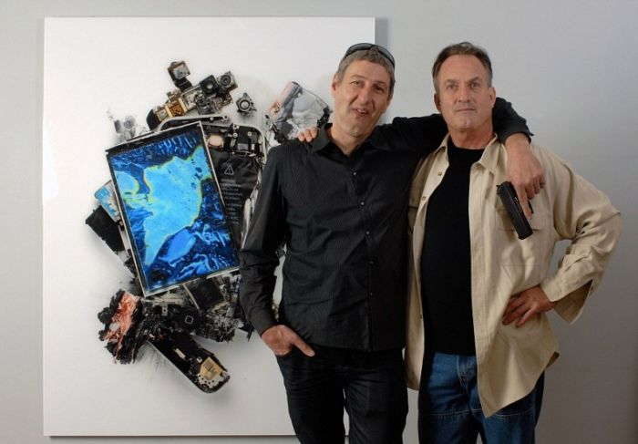 Sculptures Made Out of Destroyed Apple Gadgets (16 pics)