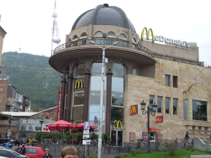 McDonald's Restaurants Around the World (35 pics)