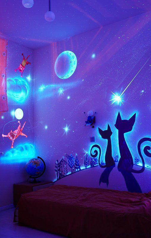 Glow in the Dark Bedroom Decoration (16 pics)
