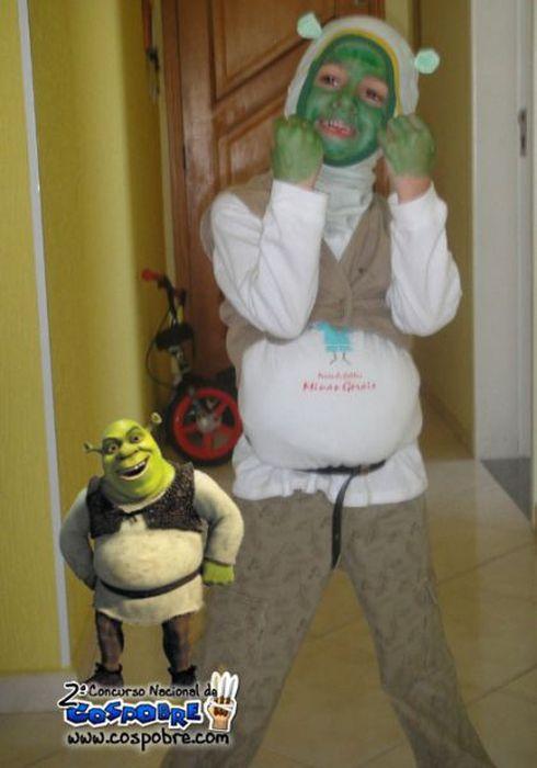 Hilarious Budget Cosplay Costumes (63 pics)