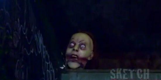Hilarious Prank With Zombie Head