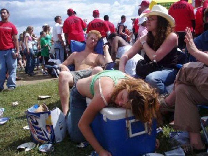 Drunk People (49 pics)