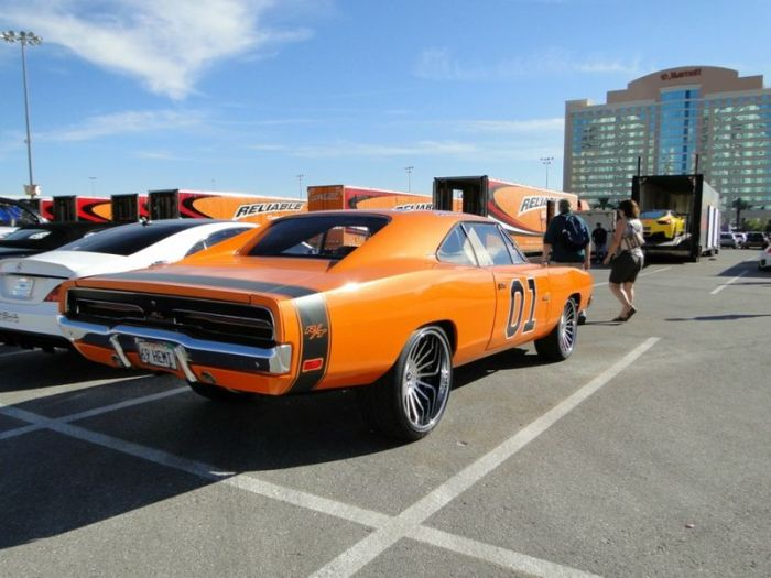 Cars of the SEMA Show (40 pics)