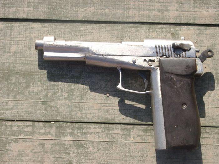 Self-Made Firearms (15 pics)