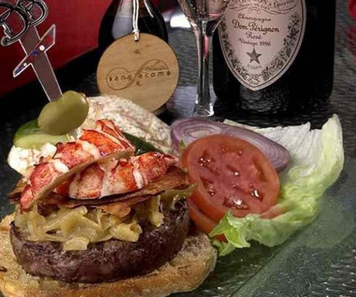 The Most Expensive Burgers in the World (10 pics)