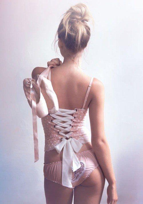 Фото девушки в нижнем белье на аву