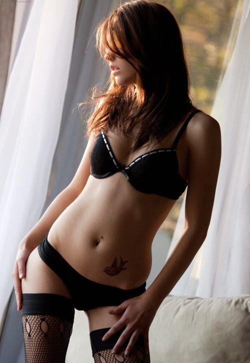 Hot Lingerie Girls (35 pics)