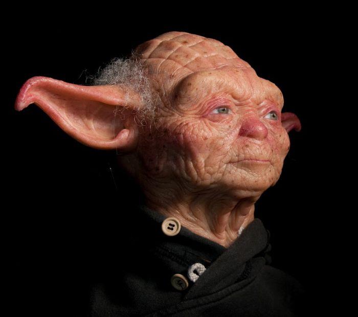 Sculpture Of Jedi Master Yoda (7 Pics
