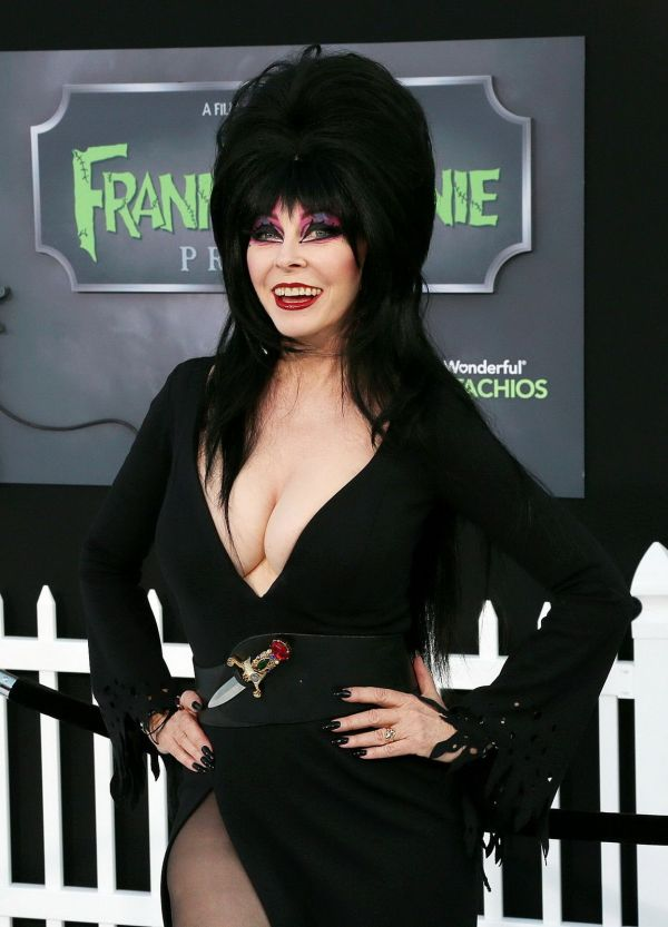 Cassandra Peterson Then and Now (15 pics)