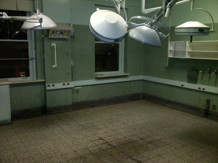 Abandoned Psychiatric Hospital (51 pics)