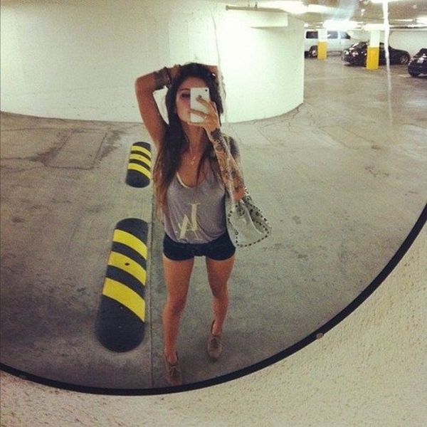 Beautiful Girls Take Photos of Themselves (40 pics)
