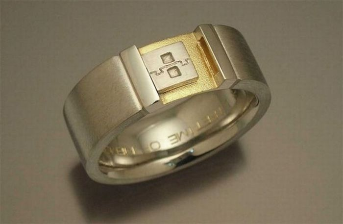 Geeky Engagement Rings (30 pics)
