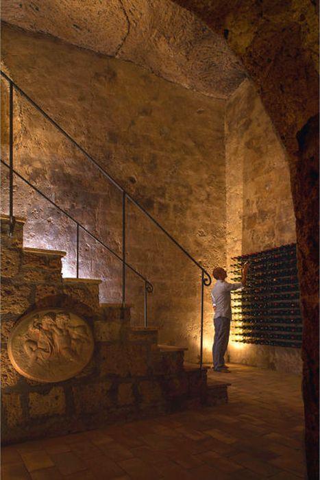 The Domus Civita (14 pics)