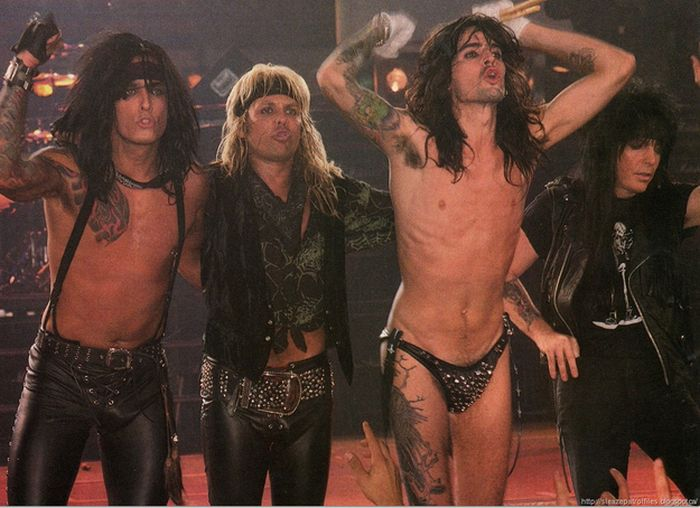 Tommy Lee In The '80s (50 pics)