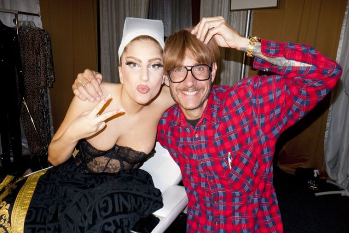 Lady Gaga Being Naughty Backstage (19 pics)