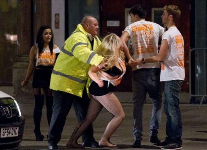 The Cardiff Walk of Shame (43 pics)