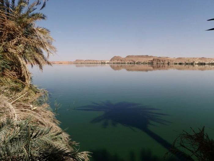 Lakes of Ounianga in Sahara Desert (15 pics)