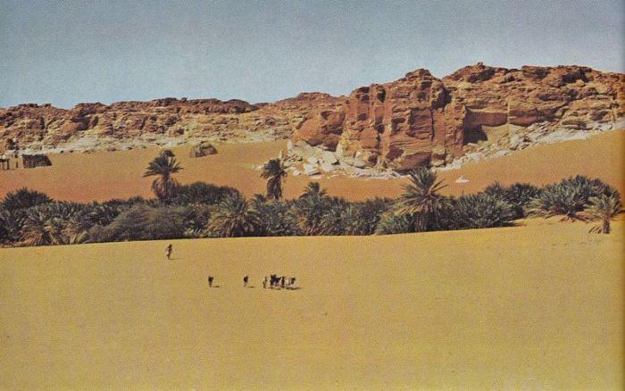 Lakes of Ounianga in Sahara Desert (15 pics)