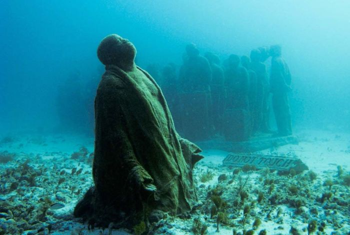 Cancun Underwater Museum (20 pics)