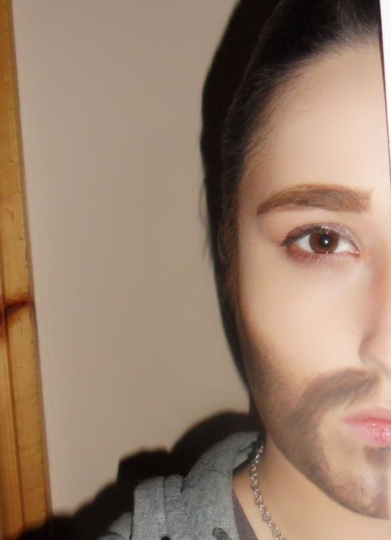 Half Male Half Female Makeup (3 pics)