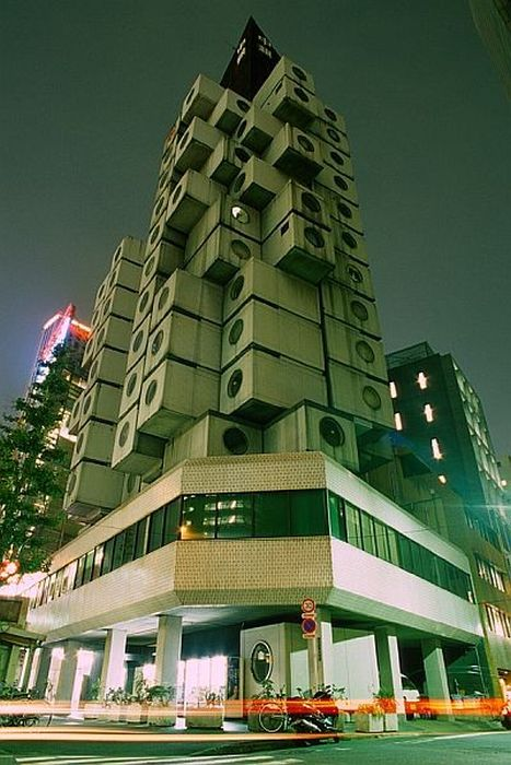 Nakagin Capsule Tower in Tokio (20 pics)