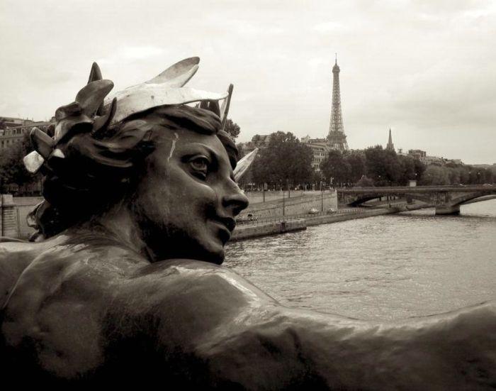 Strange Statues Around The World (99 pics)