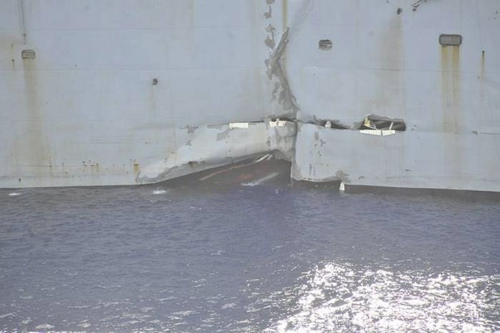 Torpedo vs a Ship (32 pics)