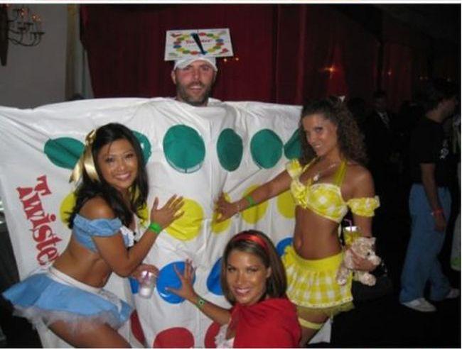 Twister Halloween Costume (11 pics)