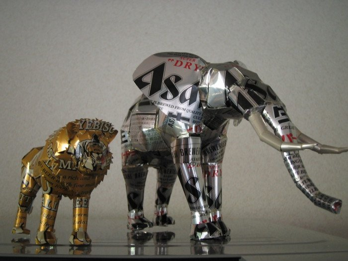 Beer Can Statues (50 pics)