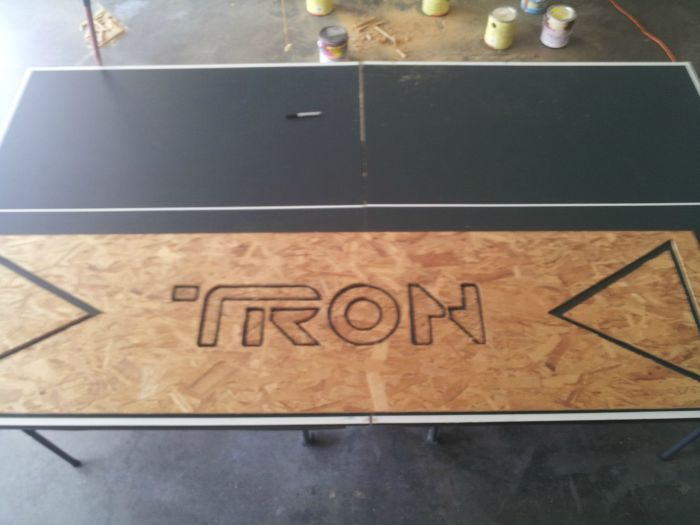 Tron Beer Pong Table (25 pics)