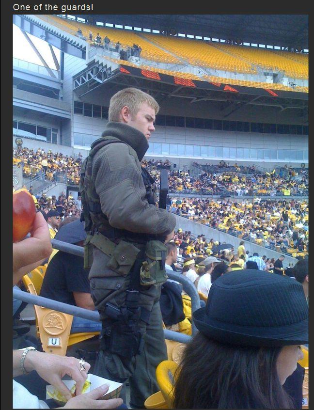 The Making of The Dark Knight Rises Stadium Scene (16 pics)