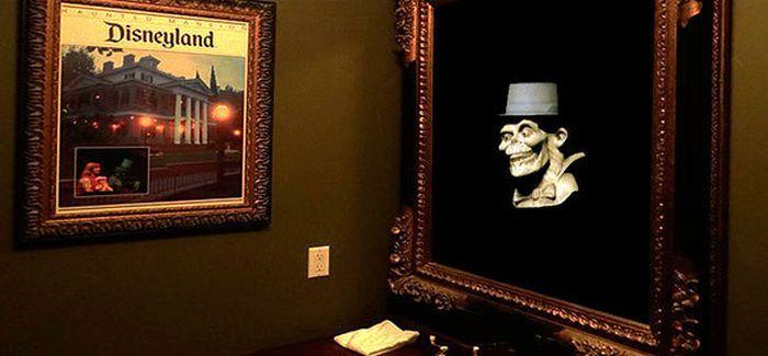 Disneyland Haunted Mansion Replica on Sale (15 pics)