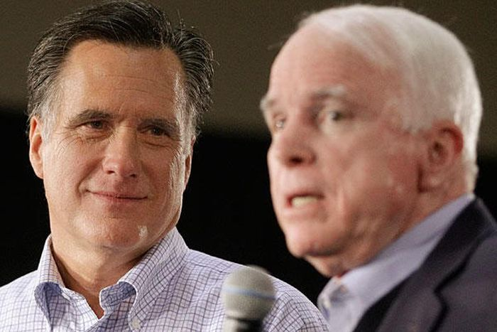 Mitt Romney Looking at People (16 pics)