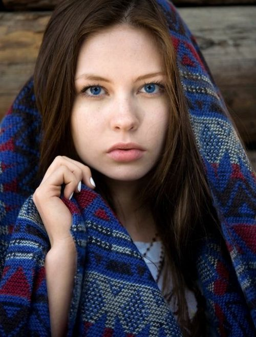 Daveigh Chase from 'The Ring' Then and Now (12 pics)
