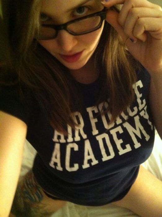 Sexy Girls in Glasses (45 pics)