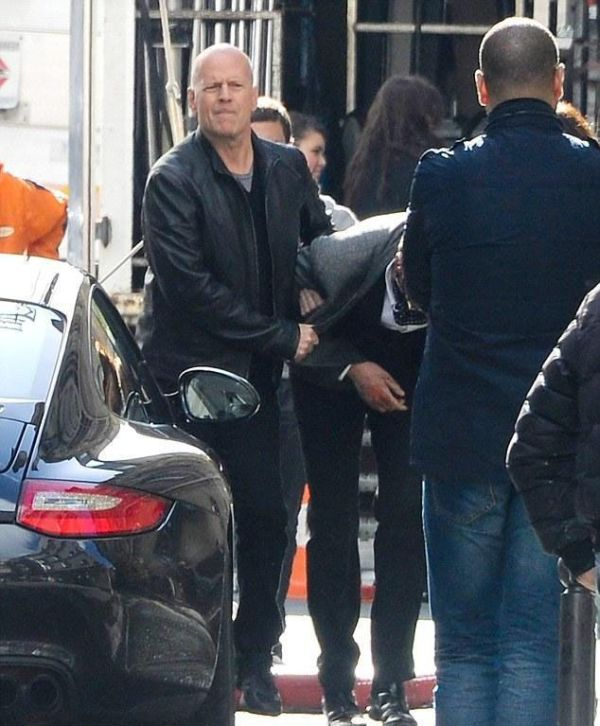 """On the Set of """"Red 2"""" Movie (13 pics)"""