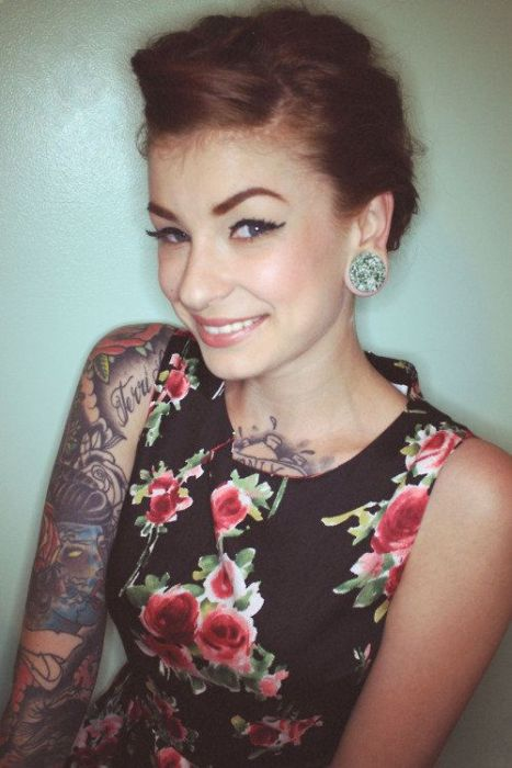 Tattoo Girls (50 pics)