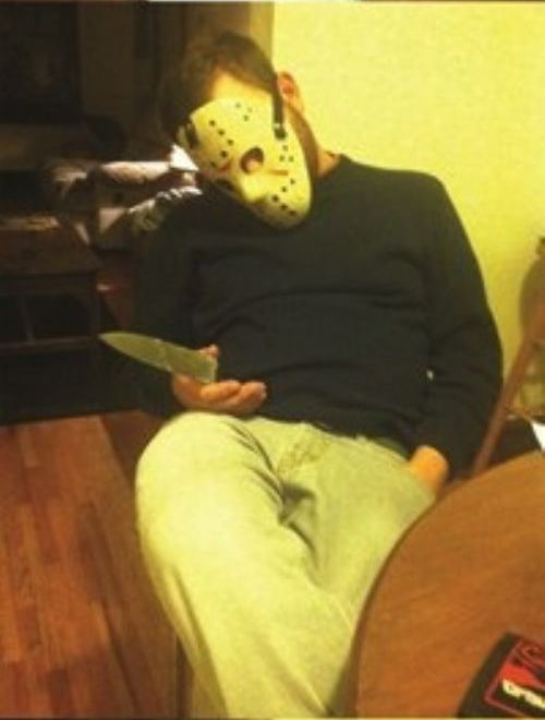 Things to Do with a Passed Out Friend (12 pics)