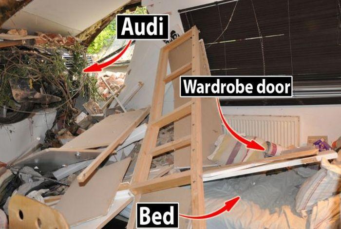 Saved by a Wardrobe Door (8 pics)