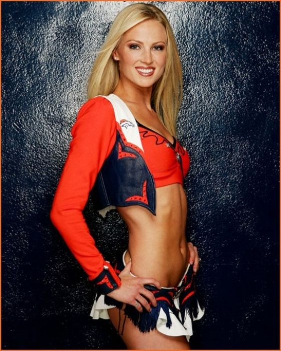 Denver Broncos Cheerleaders (73 pics)