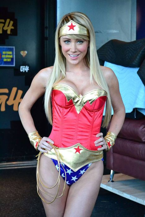 Sara Jean Underwood Halloween Costumes (40 pics)