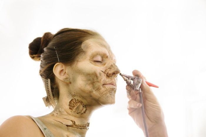 """The Making of """"The Walking Dead"""" Zombie (10 pics)"""