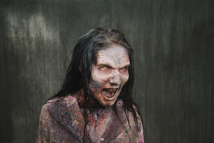 "The Making of ""The Walking Dead"" Zombie (10 pics)"